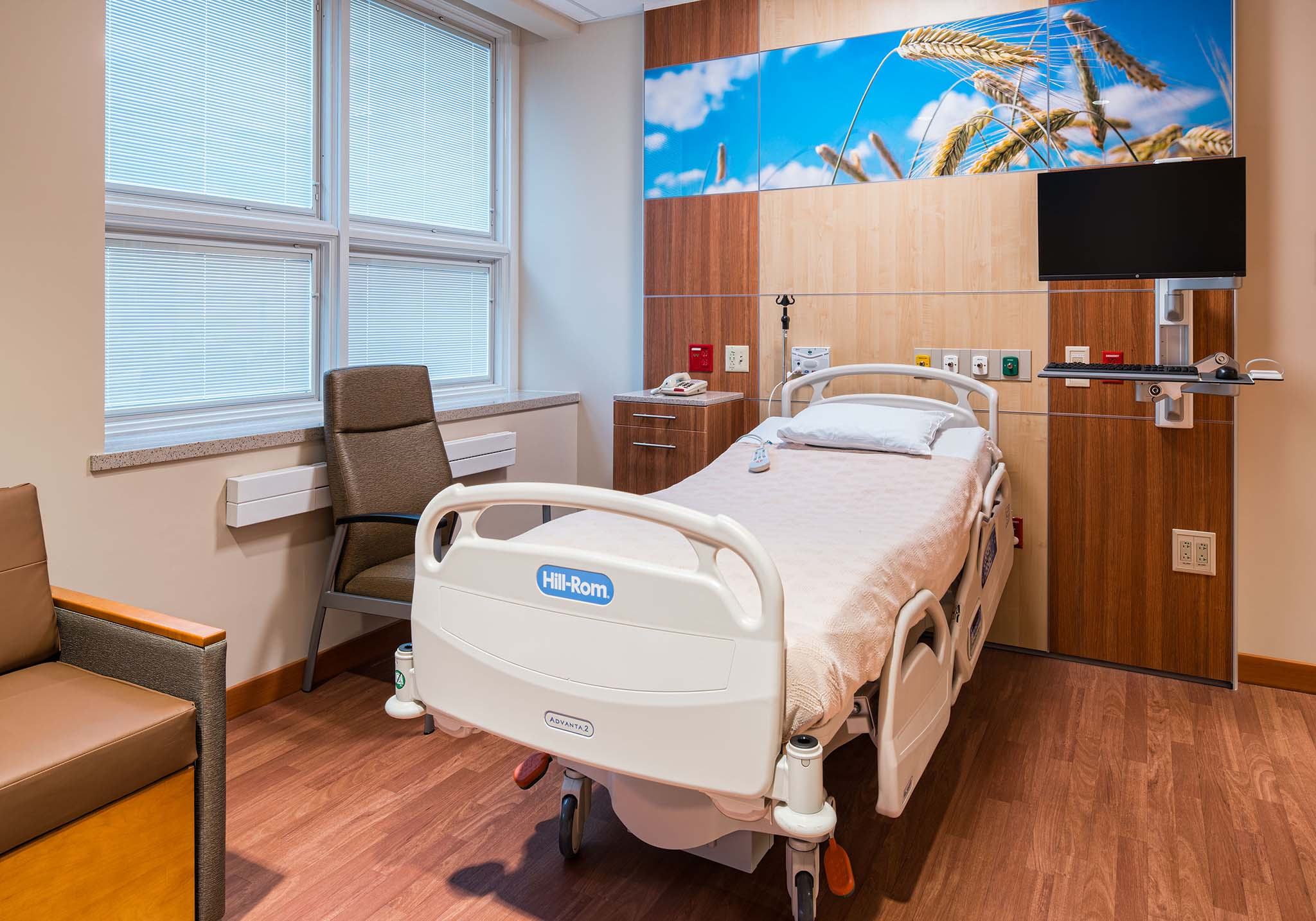 healthcare room improve with technology