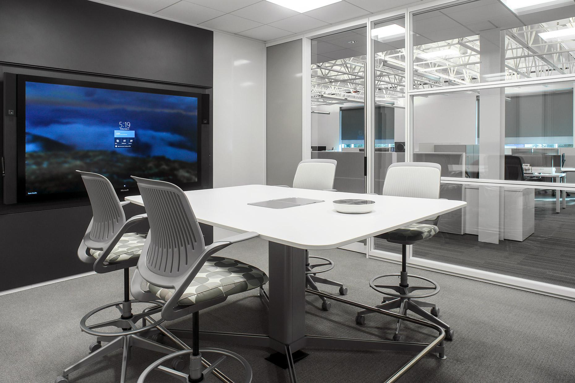 team studio-huddle room